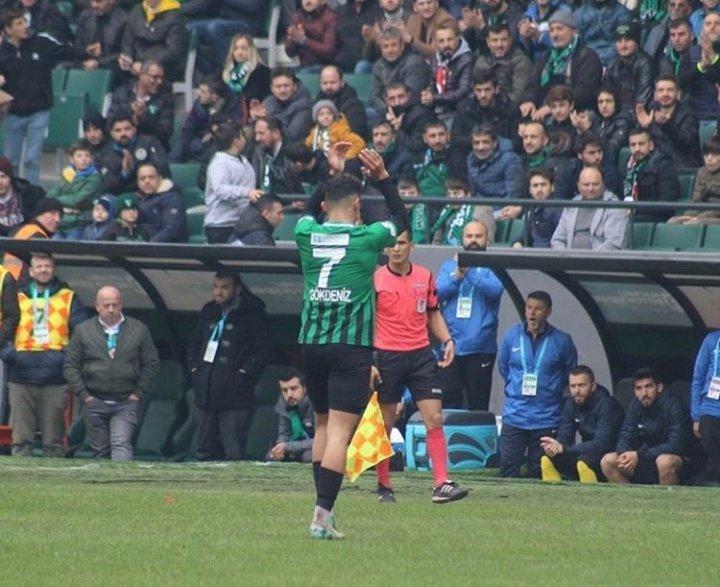 Antalyaspor'un yeni transferi eski takımına veda etti