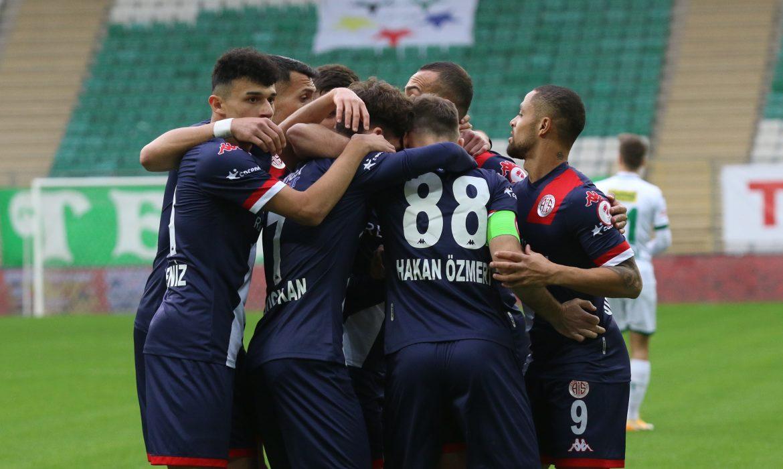 Antalyaspor'un gözü finalde!