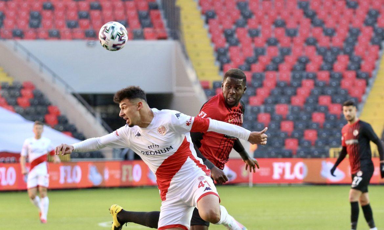 Antalyaspor'da Gökdeniz sevinci
