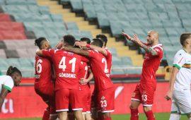 Antalyaspor'da 4 eksik, 4 belirsiz