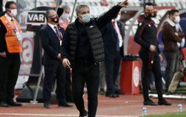 Ersun Yanal: Sık maç oynamak takımları yıpratıyor