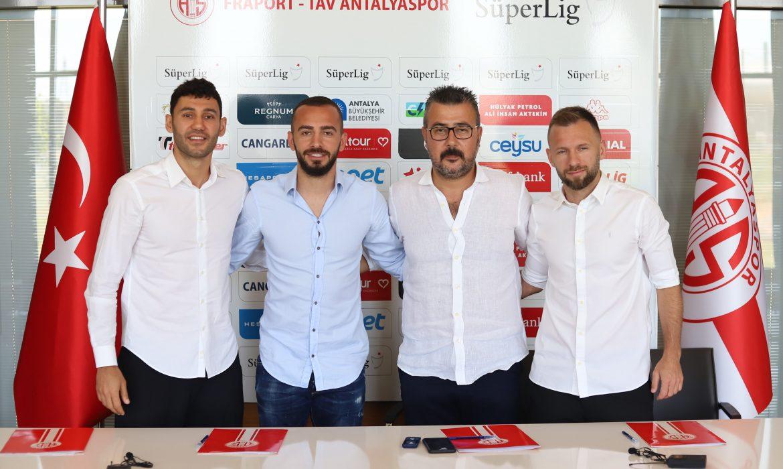 Antalyaspor'dan 3 imza birden